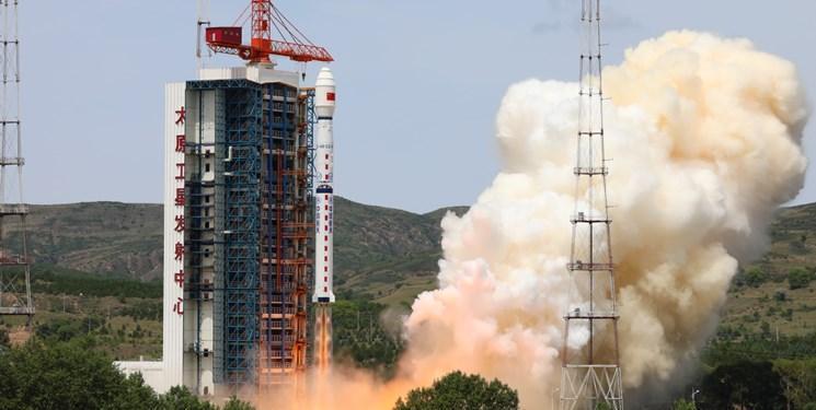 چین نخستین ماهواره مخابراتی را به فضا فرستاد