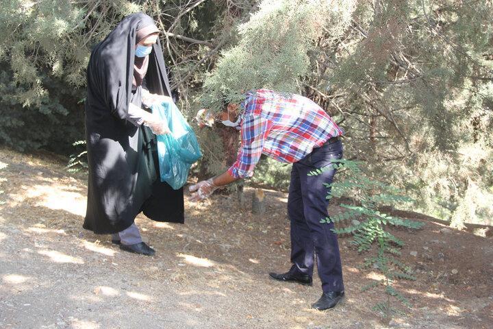 پاکسازی جنگل لویزان از زباله های زیست محیطی