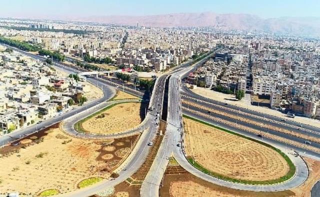 تقاطع غیرهمسطح شهیدان یغمور در شیراز افتتاح و به بهره برداری رسید